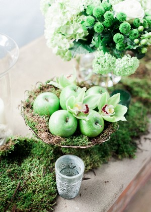 Green apples decoration