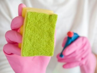 Cleaning with scourer pad