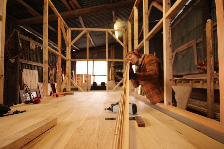 Building wooden glamping units