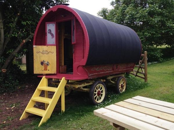 Huntstile gypsy wagon