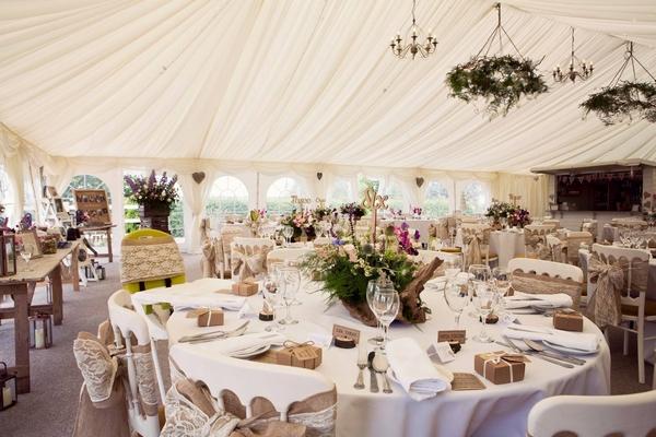 Huntstile wedding dining area