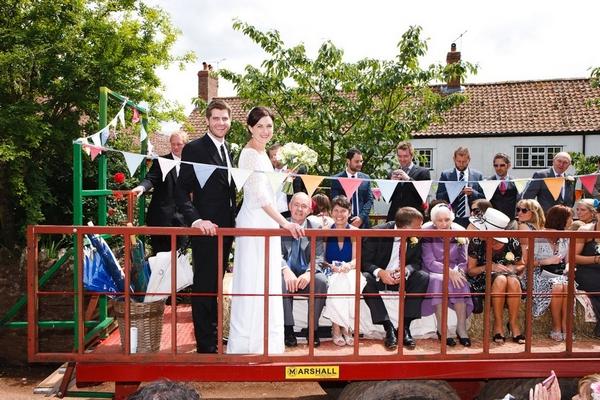 Huntstile outdoor wedding