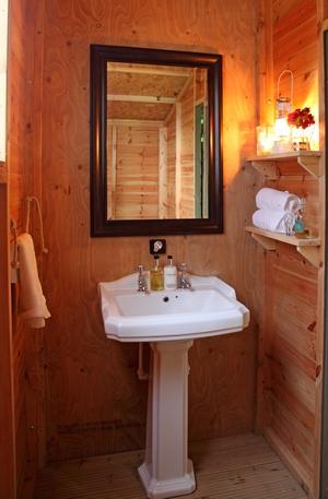 Wild Luxury glamping bathroom