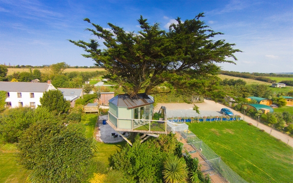 Atlantic Highway glampsite glamping treehouse