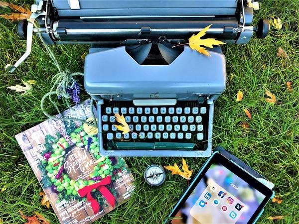 Typewriter and magazine