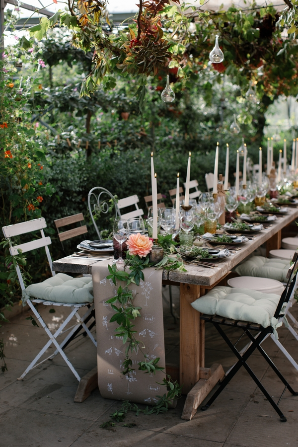 Outdoor wedding meal with flowers