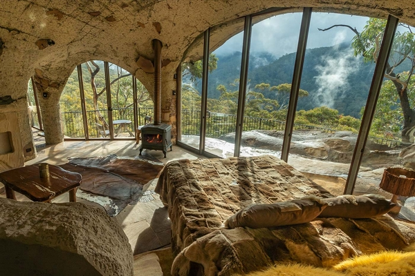 Glamping cave in Australian mountains