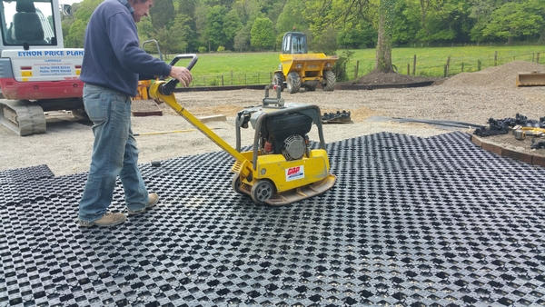 Installation of Perfo matting in a car park