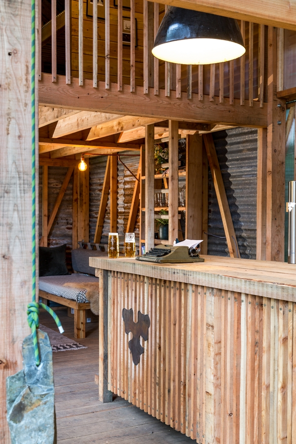 Carlesberg cabin interior - Kudhva