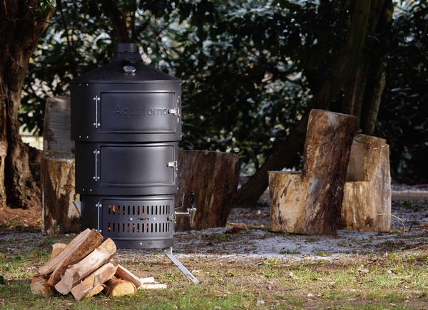 Aquaforno outdoor cooking stove