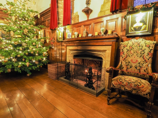 Christmas fireplace at Hever Castle