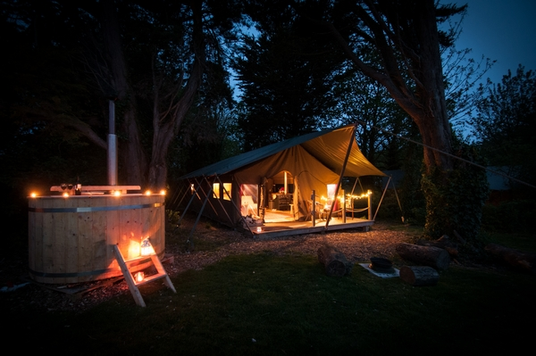 Tapnell glamping in the forest at night