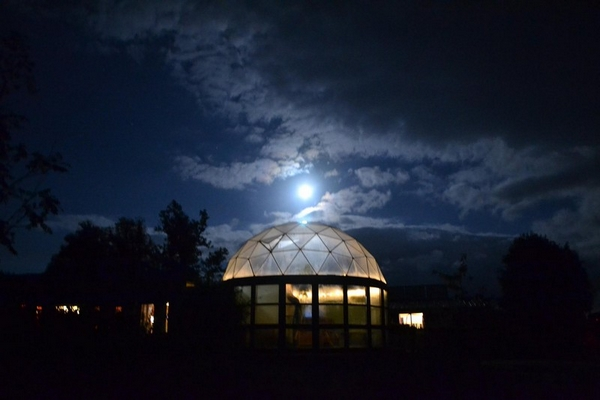 ecoYoga dome at night