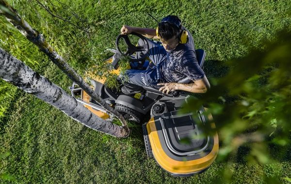 Groundcare equpiment lawnmower