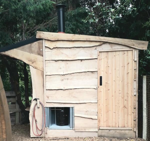 Scrub Shack 'off-grid' washroom