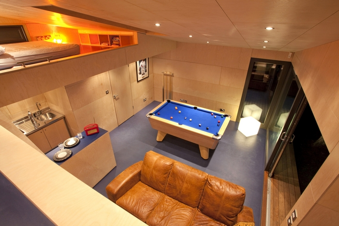 Trecombe Lakes pool table