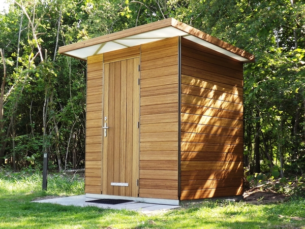 CampPlus shower and toilet