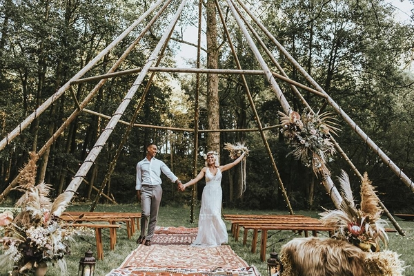 Married couple at Gisburne Park estate