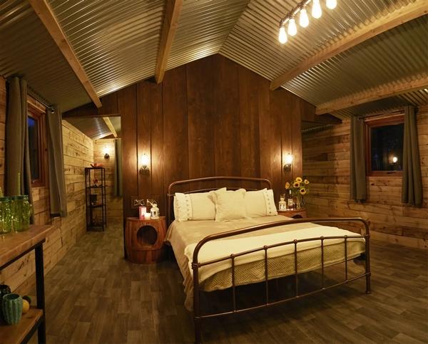 Bedroom at Pinewood Park