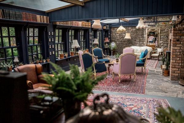 Mount Druid lounge interior