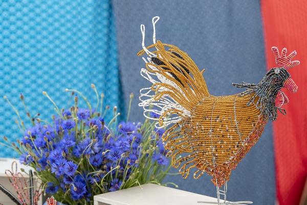 Wealden Times Midsummer Fair chicken statue