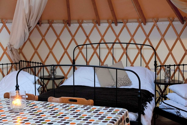 Yurtcamp Devon bedroom