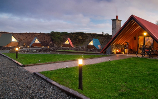 Sperrin View Glamping pathway between accommodation