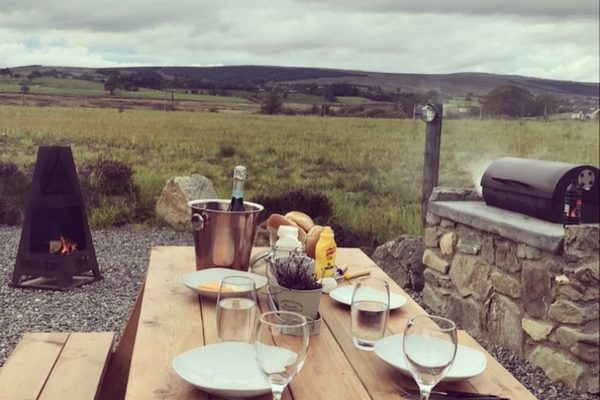 Sperrin View Glamping picnic