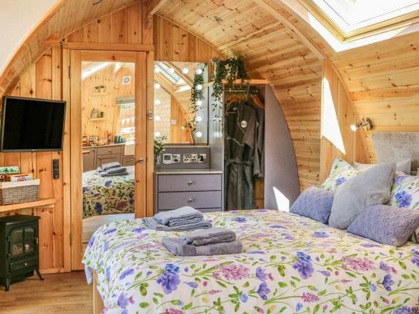 Hedgerow accommodation bedroom